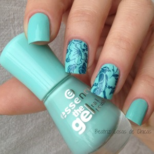 Essence Efecto Gel y Bundle Monster.1