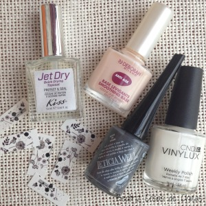 Gris de Leticia Well y Water Decals de BornPrettyStore.1