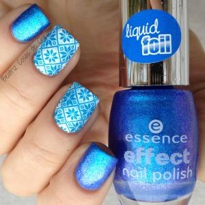 Azul Liquid Foil de Essence y Reverse Stamping STZ-L017.1