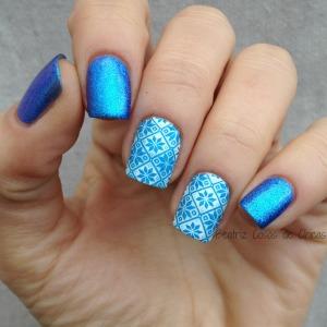 Azul Liquid Foil de Essence y Reverse Stamping STZ-L017.4