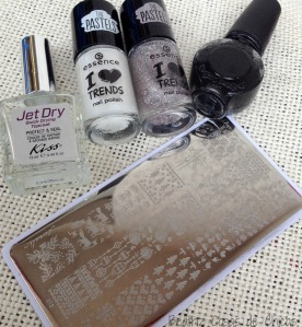 Curali Nail Stamping y Essence I Love Trends.4